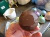 Lav dine egne chokoladeskåle til desserten - Hul i bunden er lig med isdessert ud over hele tallerkenen