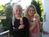 Søster 1 og søster 2 tester vores nye is, de blev godkendt :-)