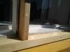 Lodret post er også udskiftet med et nyt stykke træ, så er vinduet klar til at holde en masse år igen