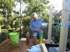 Martin fylder på flaske