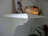 Lav en gammeldags hylde til væggen - Her er hyldeknægten skåret og monteret - uden profil