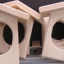 Fuglekuglefoderbræt Ver. 2 - Så er der serveret, fuglene spiser sundt på vores fuglefoderbræt