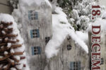 Sav en juleby i reglar og stolpestumper